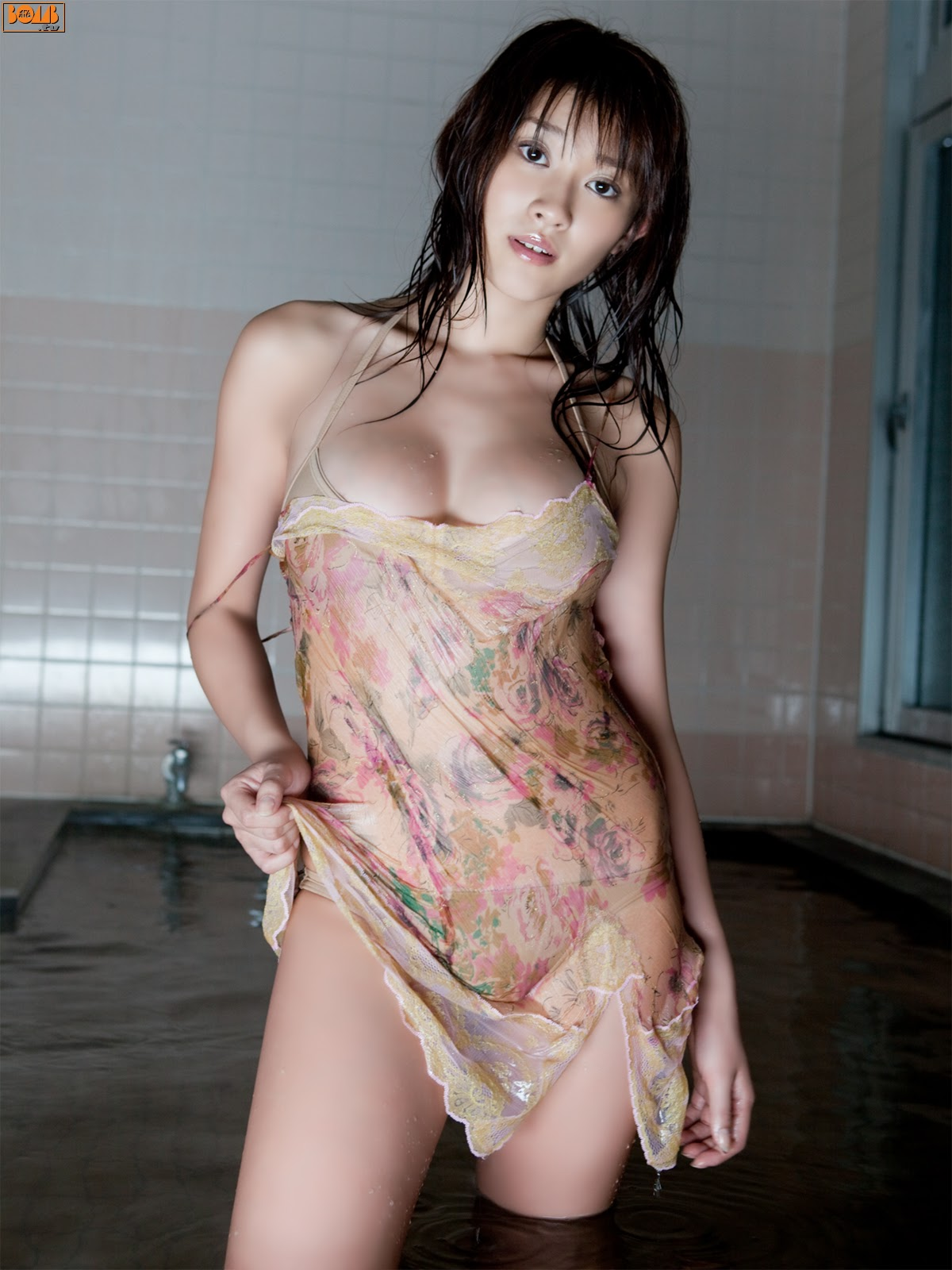 All kinds of redweathered skin sweaty skin smiles in the morning light Mikie Hara026