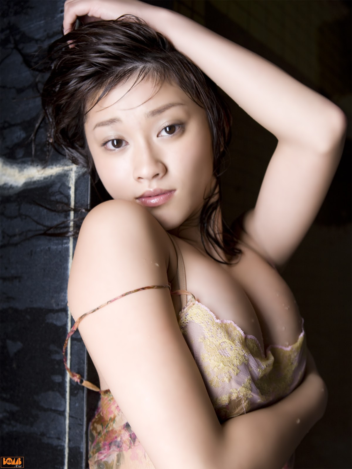 All kinds of redweathered skin sweaty skin smiles in the morning light Mikie Hara031