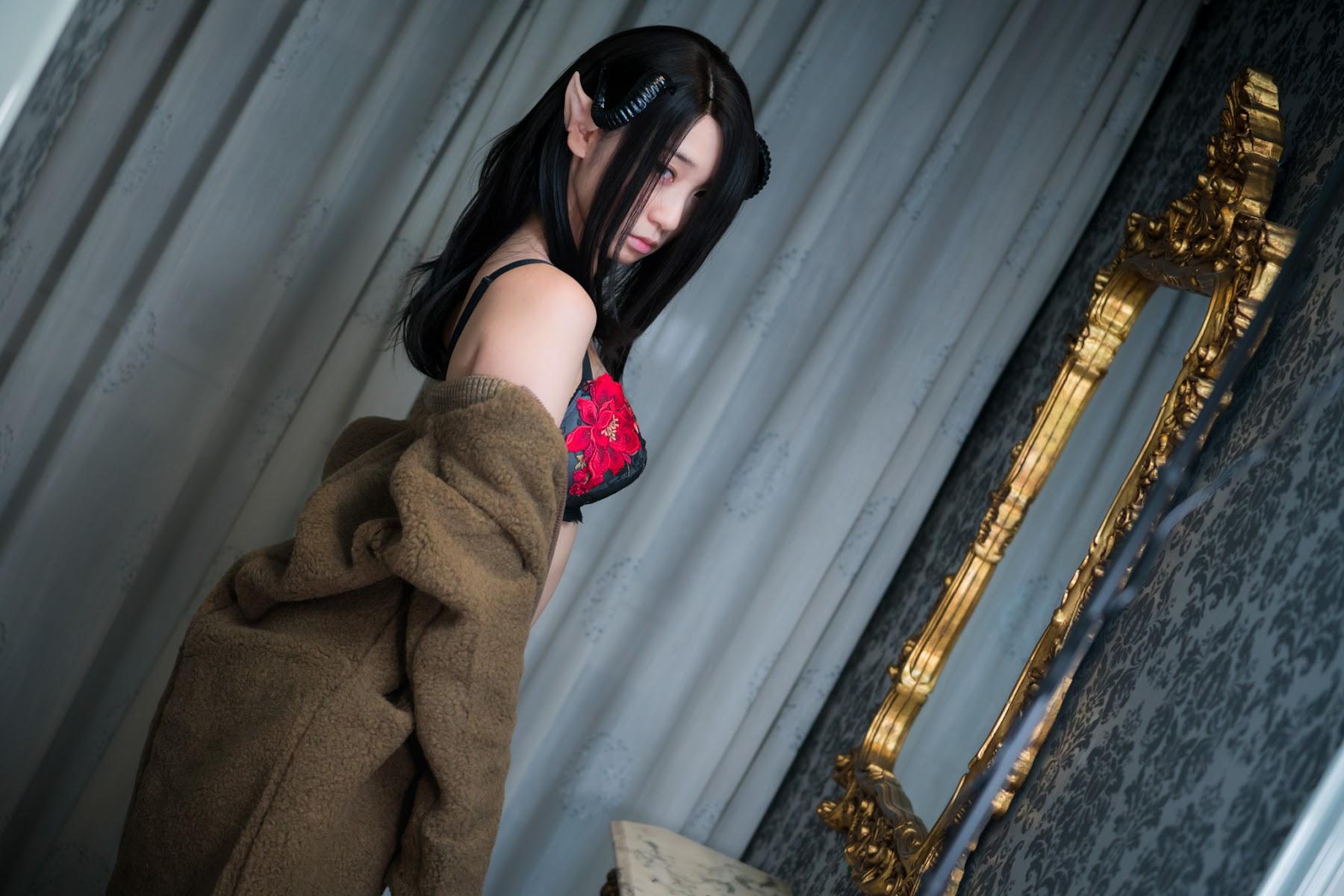 Succubus Girl Moe Iori001
