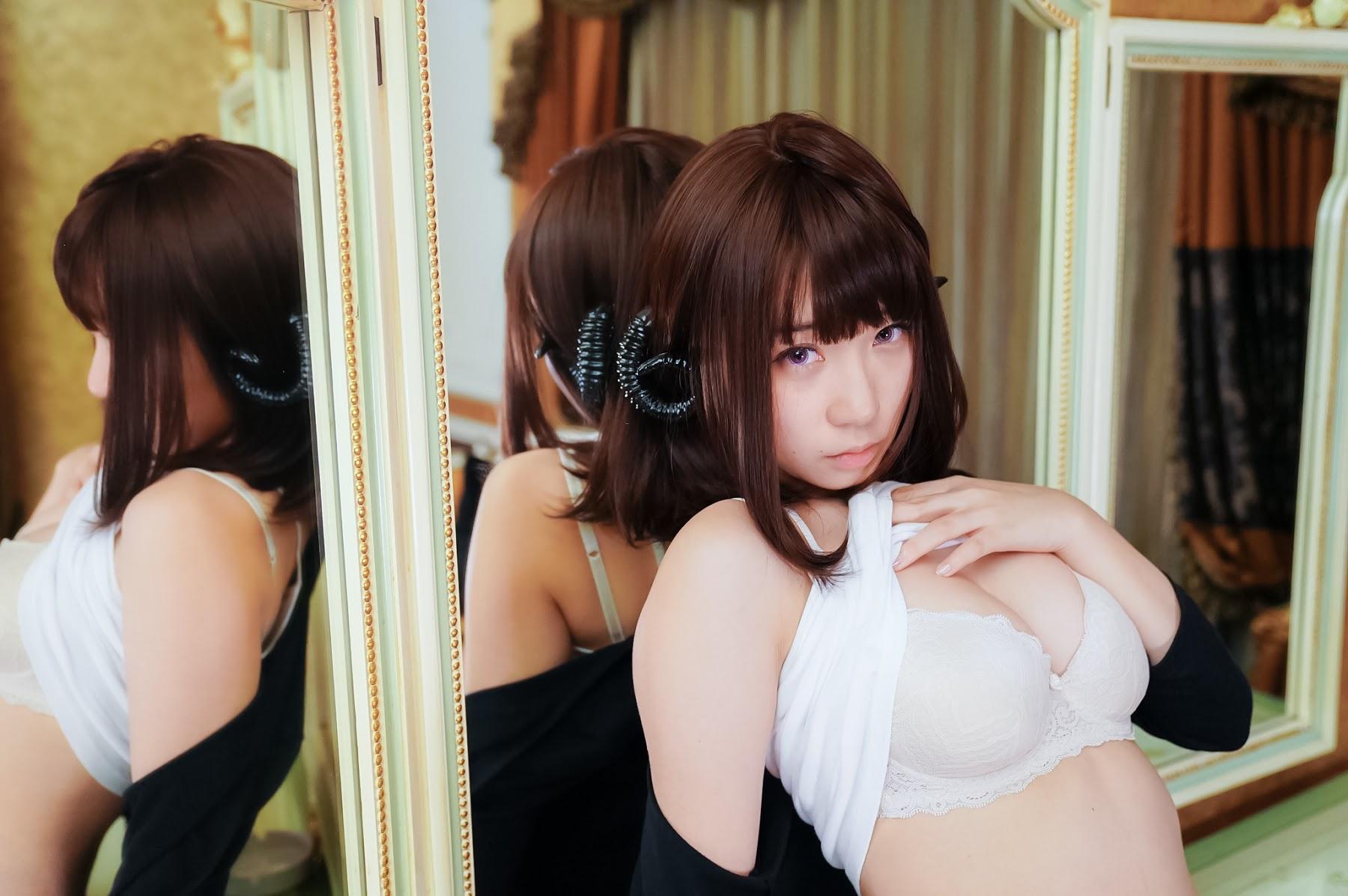 Succubus Girl Moe Iori105