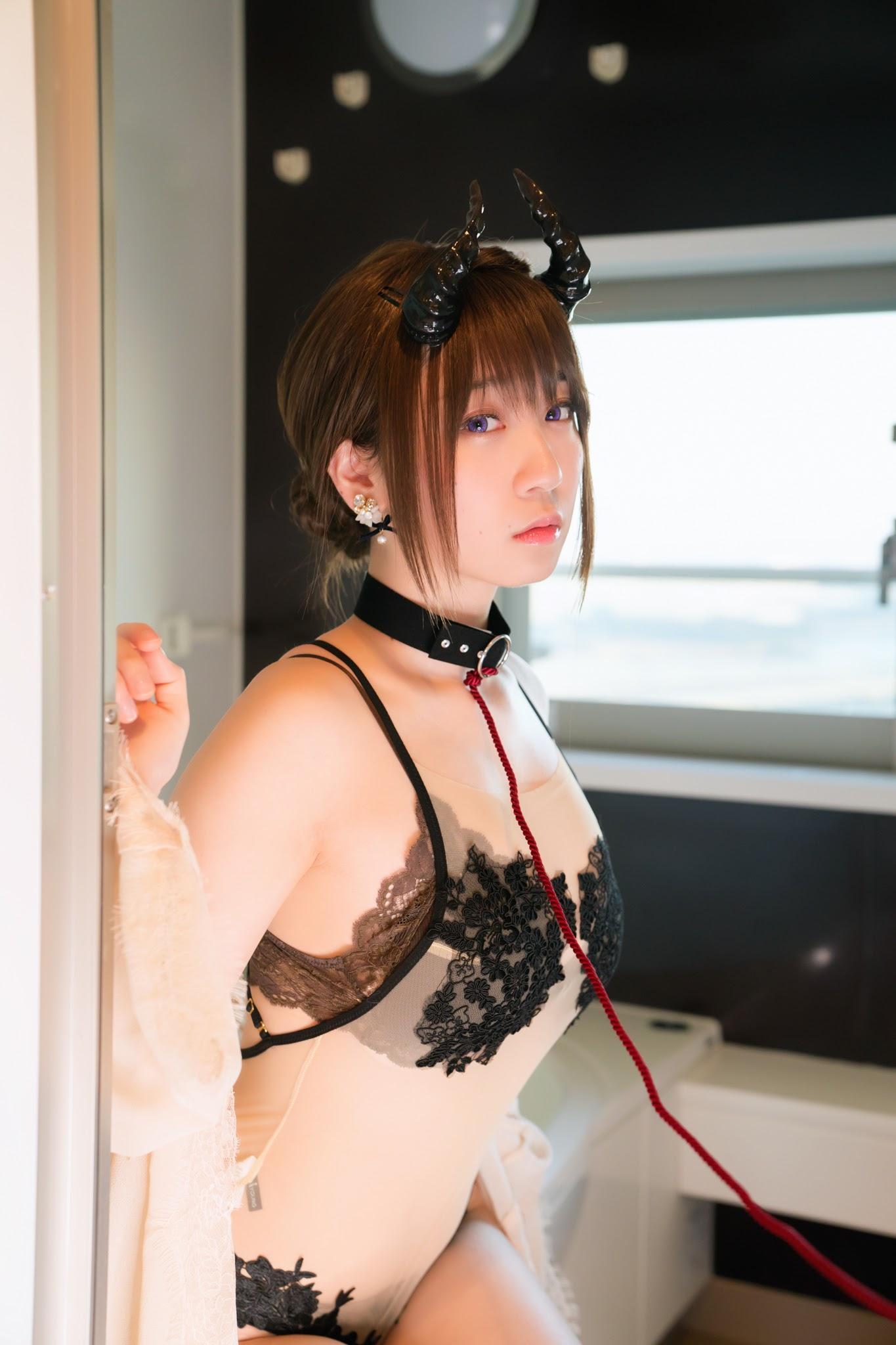 Succubus Girl Moe Iori179
