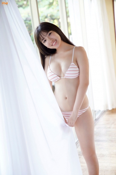 16yearold pool Royal bikini Aika Sawaguchi017