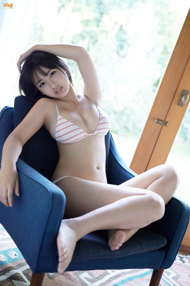 16yearold pool Royal bikini Aika Sawaguchi014