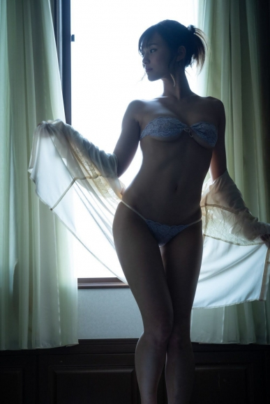 Bold show off the finest body Aika Nishihara018