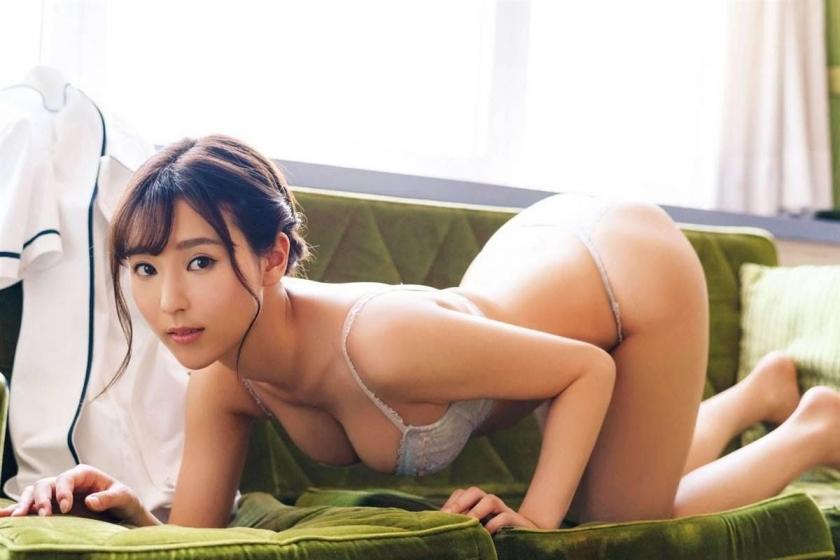Bold show off the finest body Aika Nishihara033