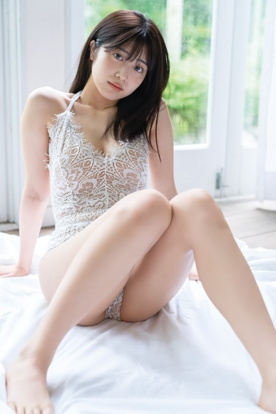 Yoshida Risakura 18yearold beautiful girl who wants to become the most adult this summer 2020003
