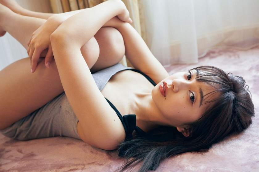 Arisa Komiya Enchanting lingerie cut 2020008