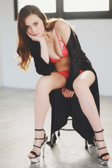 Beautiful half model is the first person to take off karate011