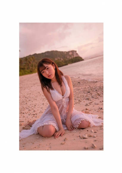 Moe Toyoda Swimsuit gravure003