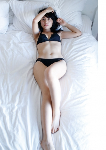 Rikako Aida Swimsuit Gravure001