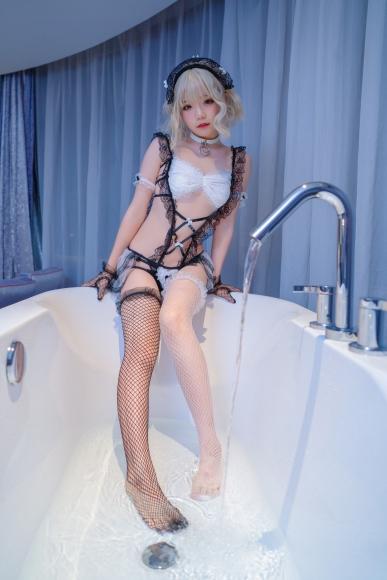 Lets take a bath001