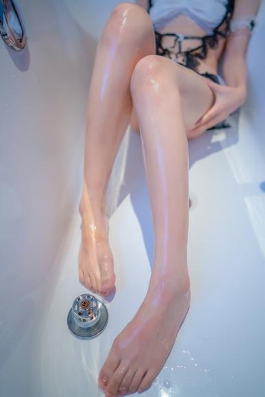 Lets take a bath029