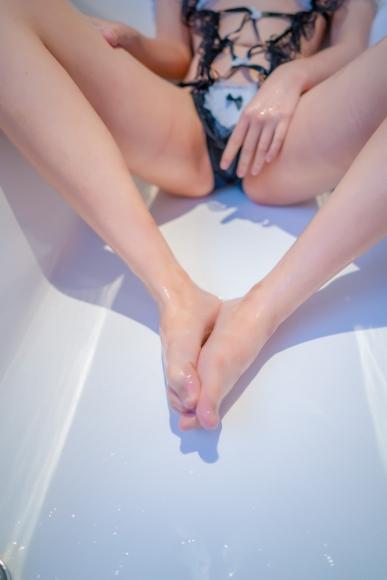 Lets take a bath030