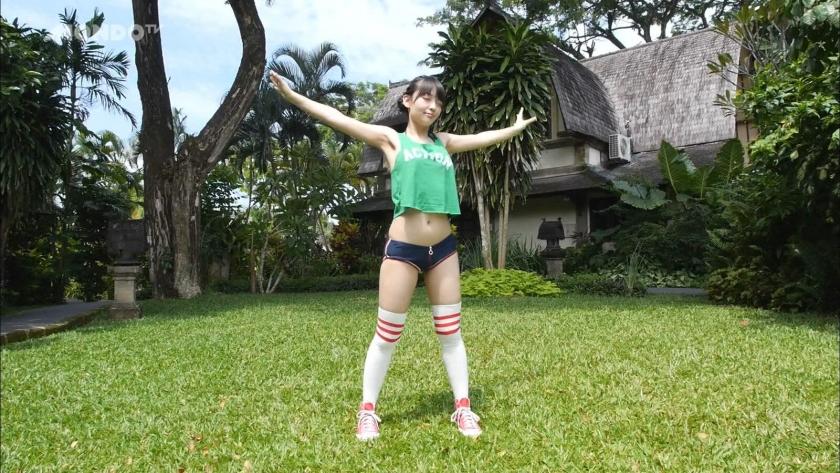 Hula hoop in bikini002