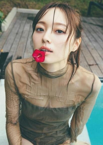 Minami Umezawa Adult swimsuit full of appeal 2020006