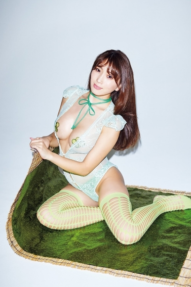 I want to eat with Satomi Morisaki pinch inappropriate mistress body 2018009
