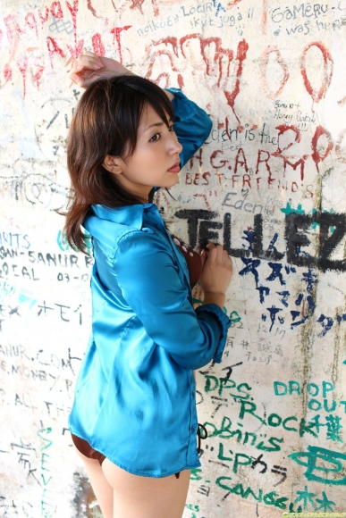 Atsumi Ishihara Swimsuit gravure001