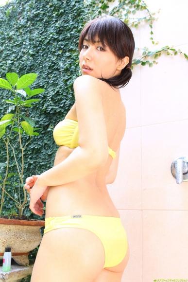 Atsumi Ishihara Swimsuit gravure018