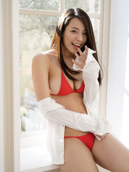 Sexy Heroine Terrace House and Pairs Anokos limit is barely limit Mayu Koseda Gravure swimsuit image 018