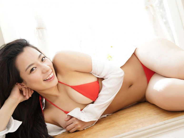 Sexy Heroine Terrace House and Pairs Anokos limit is barely limit Mayu Koseda Gravure swimsuit image 022