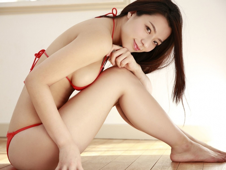 Sexy Heroine Terrace House and Pairs Anokos limit is barely limit Mayu Koseda Gravure swimsuit image 031