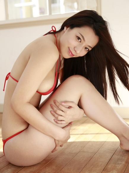 Sexy Heroine Terrace House and Pairs Anokos limit is barely limit Mayu Koseda Gravure swimsuit image 032