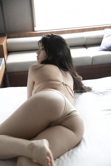 Chitose Yoshino Sagas bad boobs013