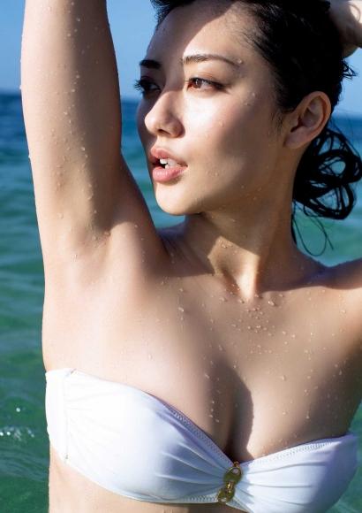 From Sentai Heroine to Authentic Actress Beautiful Body Kazusa Okuyama009