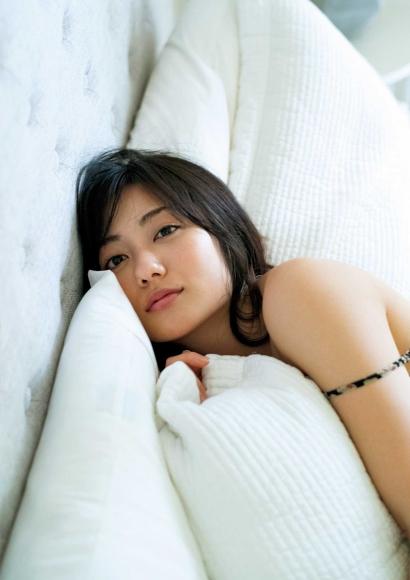 From Sentai Heroine to Authentic Actress Beautiful Body Kazusa Okuyama047