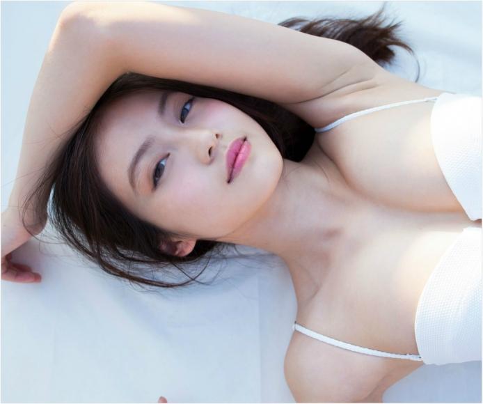 Next generation beautiful girl 20 years old 2020021