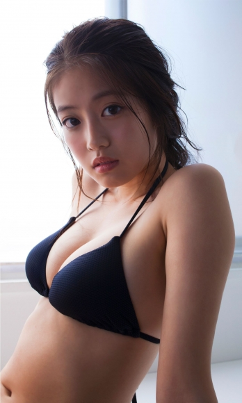 Next generation beautiful girl 20 years old 2020036