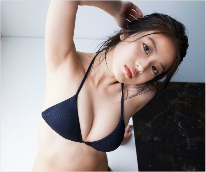 Next generation beautiful girl 20 years old 2020035