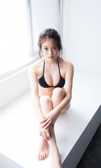 Next generation beautiful girl 20 years old 2020033