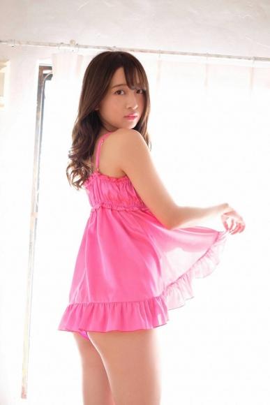 Beautiful girl in the tennis club015