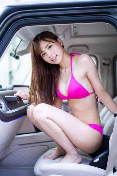 Aono Akane is a car in a swimsuit005