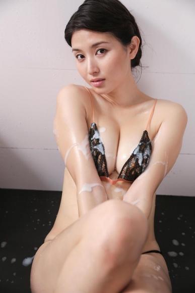 橋本マナミ (83)