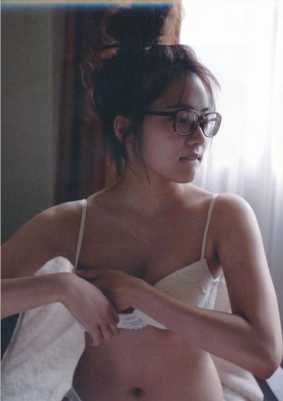 2 Anna Iriyama First Beautiful Sin091