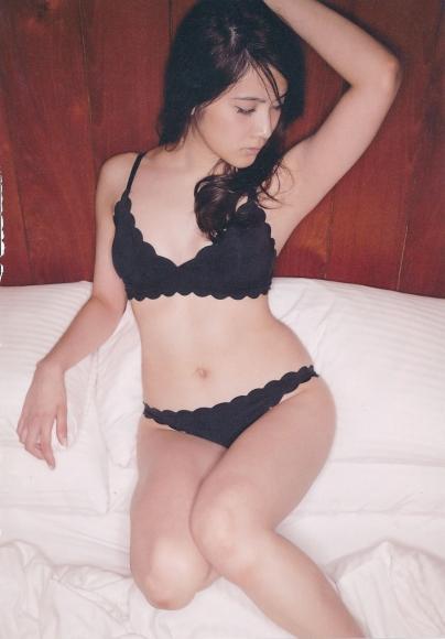 2 Anna Iriyama First Beautiful Sin098