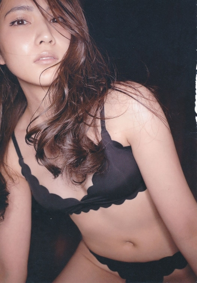 2 Anna Iriyama First Beautiful Sin099