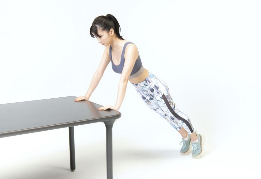 Yuka Ogura Muscle Exercise016