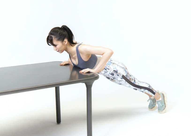 Yuka Ogura Muscle Exercise017