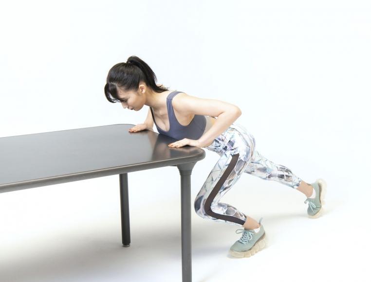 Yuka Ogura Muscle Exercise018