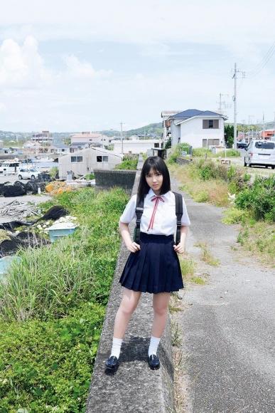 Aika Sawaguchi Runaway Girl014