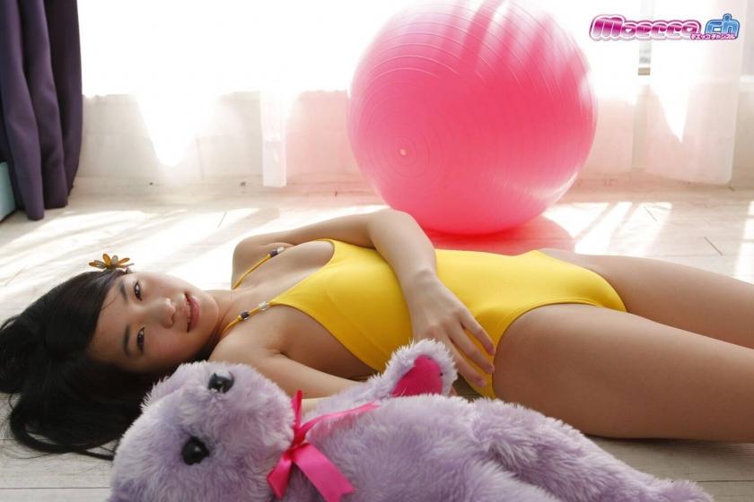 Miran Shimizu Swimsuit Gravure011