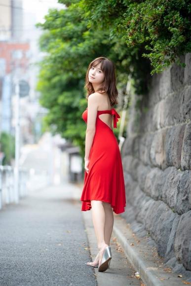 Nashiko Momotsuki, overwhelming beauty body in a sexy black bikini002