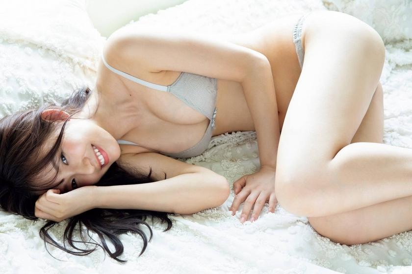 Otoshi Shida A female college student in Japans cutest bikini 100 pure and sexy010