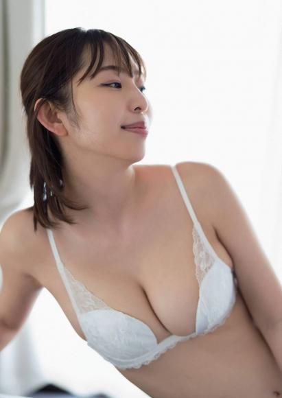 Misumi Shiochi gets wet in a hot spring inn004