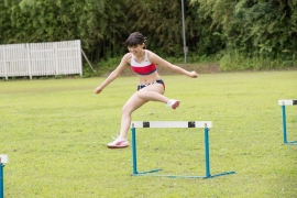 Beautiful girl in track and field club rew050