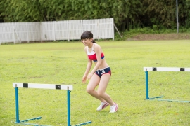Beautiful girl in track and field club rew053