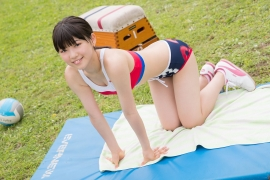Beautiful girl in track and field club rew064